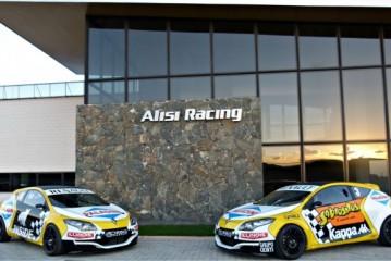 Miguel Angel Alissi comfirmó la continuidad con las cuatro coupé Renault