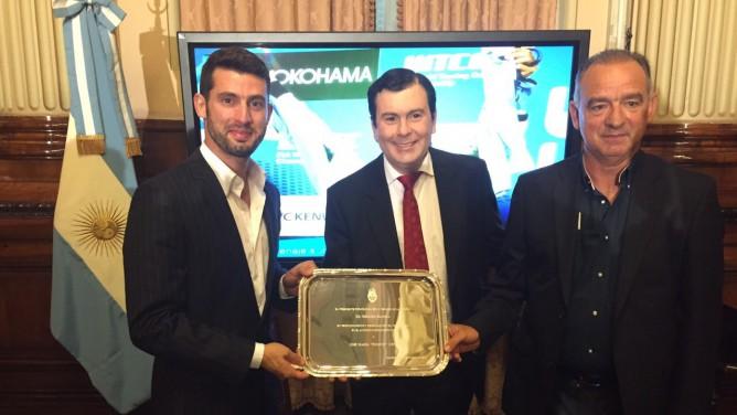 Pechito López distinguido como embajador del deporte argentino
