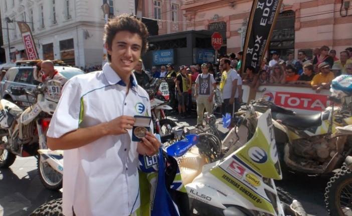 Gonzalez Ferioli, a los 19 años, el mas jóven en ganar una etapa del Dakar, está segundo en la general