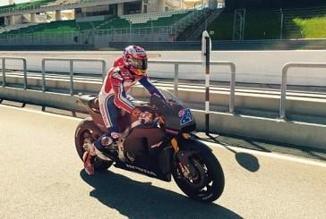 Moto GP: Stoner prueba la nueva Honda en Sepang