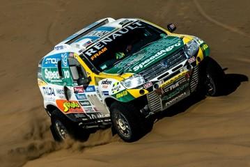 Dakar 2015: El Renault Duster Team sigue en carrera