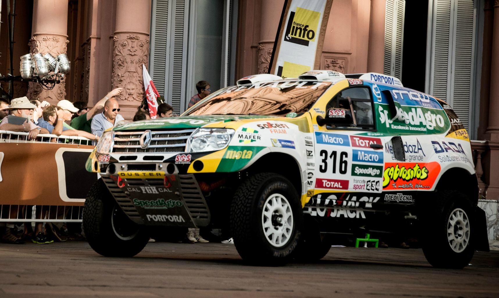 Fantástico comienzo del Renault Duster Team en el Dakar 2015: 6° puesto de Spataro