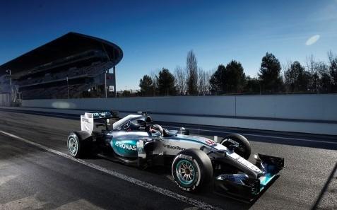 F1: Mercedes Benz y Hamilton las estrellas de hoy en Montmeló