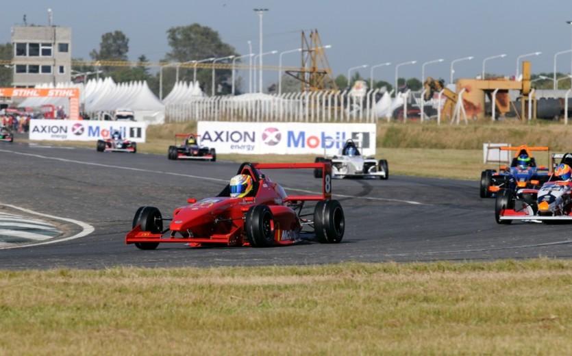 Fórmula Renault 2.0: la primera fue para Moggia