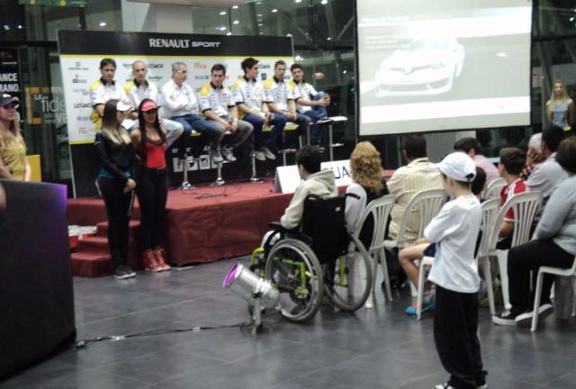 STC2000: Macua presentó a los dos equipos Renault