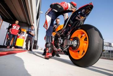MotoGP: Valentino Rossi sufre una caída durante los test con los neumáticos Michelin