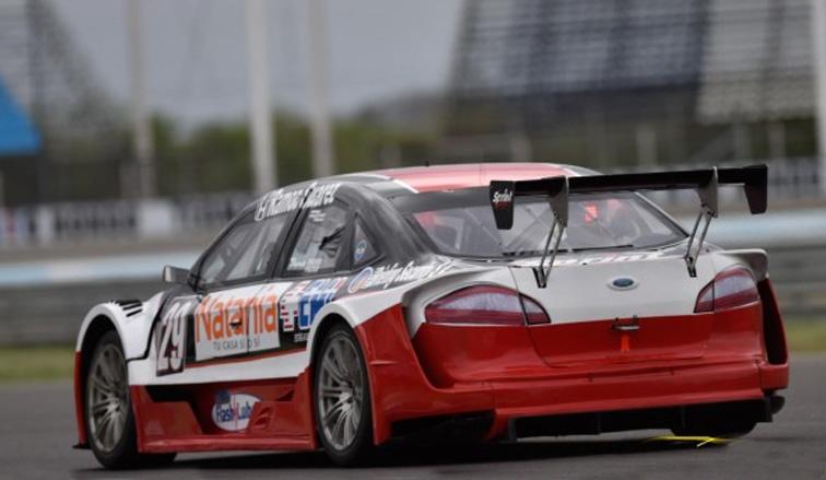TR V6: En las pruebas libres, Risatti fue el más rápido  y Peter Olaz en el TR Series
