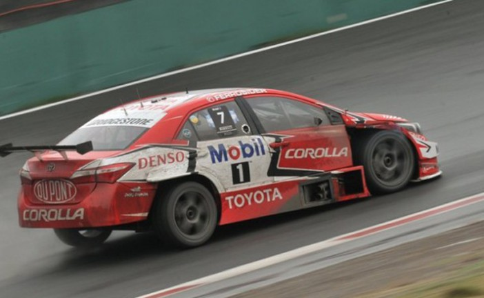 STC2000: Rossi ganó la segunda serie y se quedó con el mejor tiempo