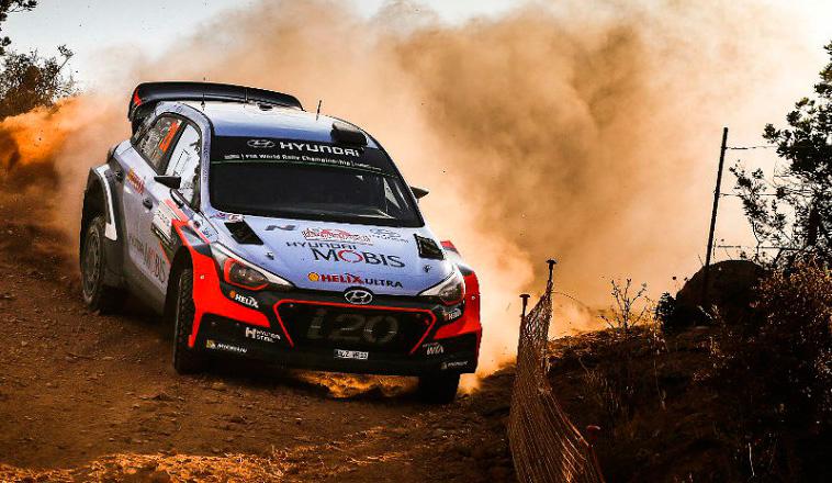 WRC: Neuville tomó el liderazgo en Italia