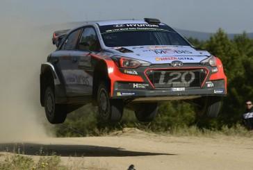 WRC: Neuville se defiende de los ataques de Latvala