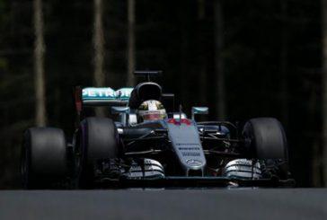 Fórmula 1: Hamilton se lleva la Pole en una desordenada clasificación bajo condiciones mixtas