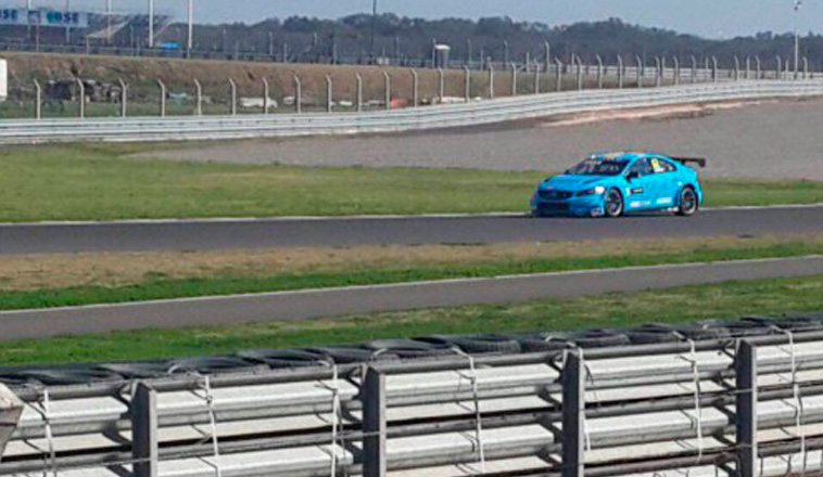 WTCC: El «Bebu» Girolami probó con el Volvo