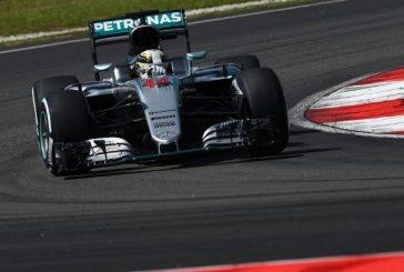 Fórmula 1: Hamilton vuelve al liderato en los Libres 2 de Sepang