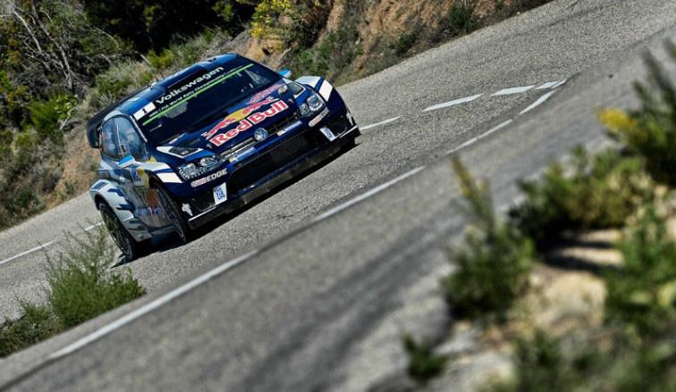 WRC: Un Ogier sublime domina en Córcega