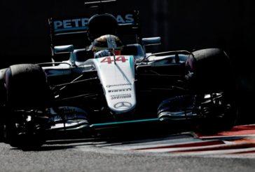 Fórmula 1: Hamilton se impone en los nocturnos Libres 2 de Yas Marina