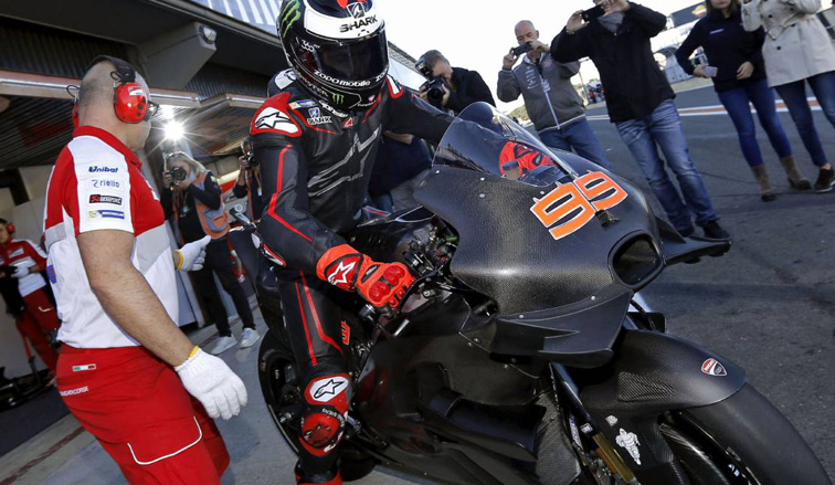 MotoGP: El primer contacto de Lorenzo con Ducati