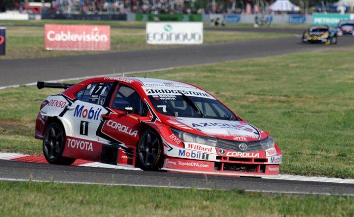 STC2000: Pole y récord para Rossi