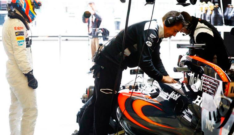"""Fórmula 1: Surer: """"Alonso es rápido en cualquier coche, Vettel sólo si se le adapta"""""""