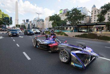 Fórmula E: Pechito López paseó por Buenos Aires
