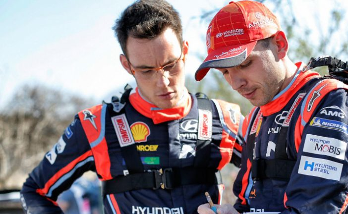 WRC: Se accidentó Neuville en Córcega