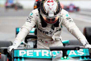 Fórmula 1: Hamilton suma su 80ª pole y Ferrari hace otro ridículo