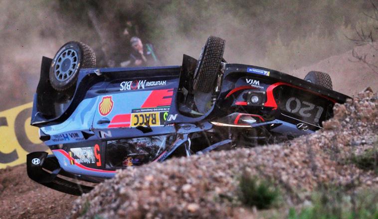 WRC: Neuville se accidentó y Ogier gana el Shakedown
