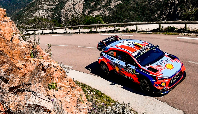 WRC: Neuville se adueña del sábado