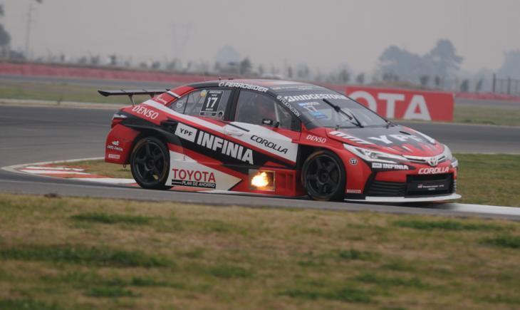 STC2000: Rossi clava la pole position