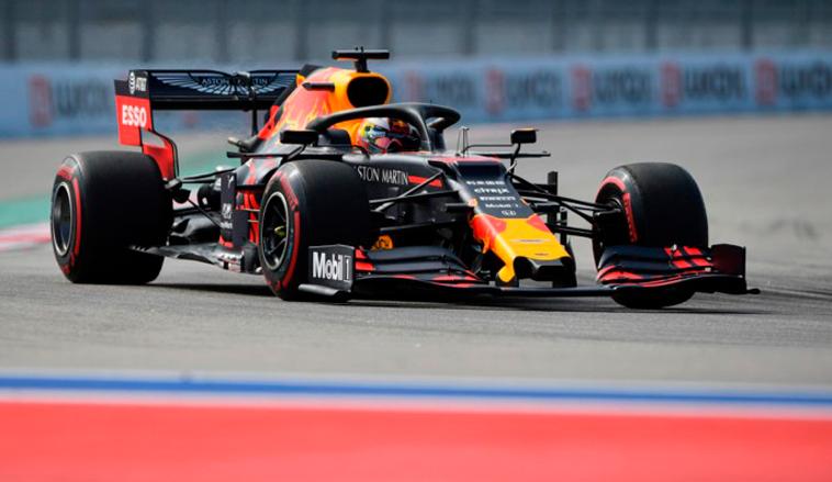 Fórmula 1: Verstappen cierra el viernes bien arriba