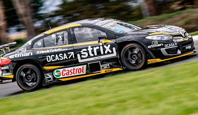 STC2000: Pernía hace pole y empata a Rossi en el campeonato