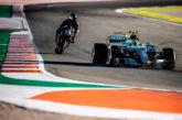 Rossi y Hamilton intercambian máquinas