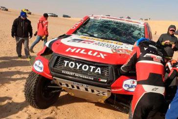 Rally Dakar: Fernando Alonso vuelca y continúa la carrera sin parabrisas