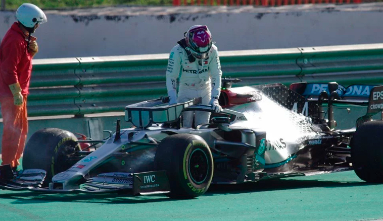 Fórmula 1: Vettel lidera y el motor de Hamilton tose en el penúltimo día de test