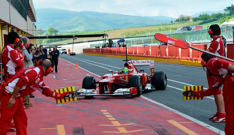 Fórmula 1: Vettel y Ferrari se divierten en Mugello