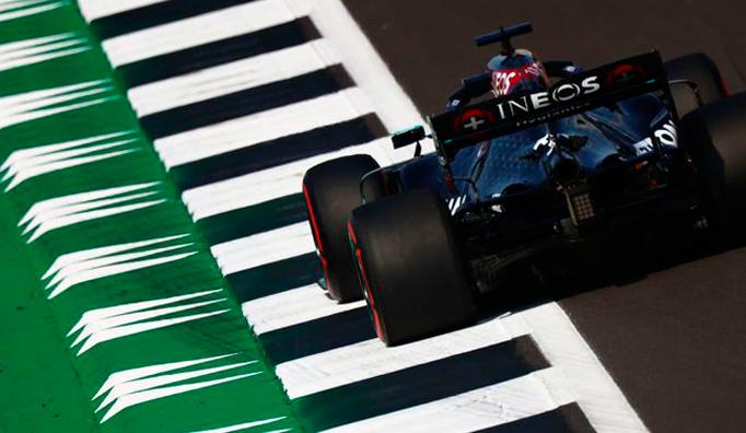 Fórmula 1: Hamilton y Mercedes barren en Silverstone
