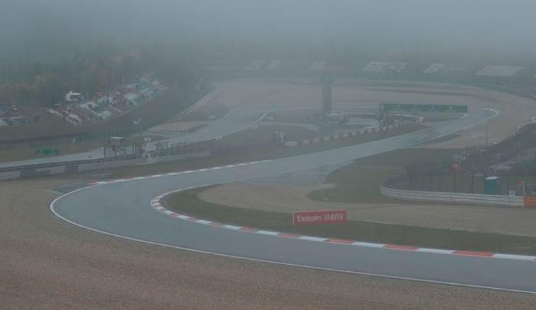 Fórmula 1: La lluvia y la niebla dejan sin disputar los primeros libres y sin debut de Mick Schumacher