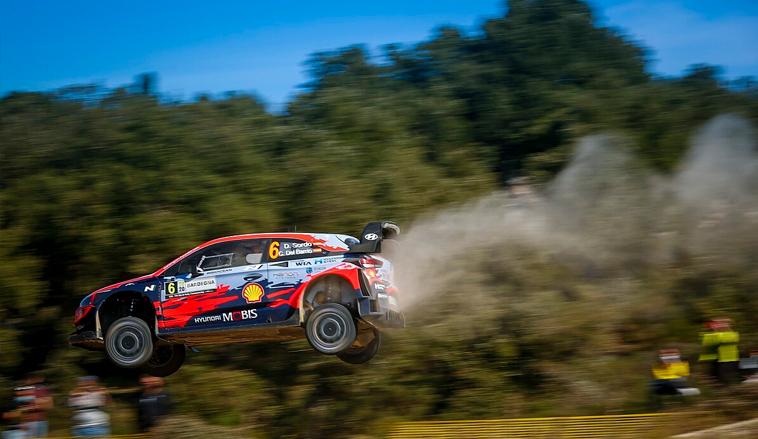 WRC: Sordo gana el Rally de Cerdeña y Ogier achica distancia con Evans