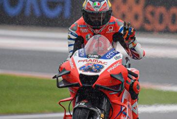 MotoGP: Miller lidera con el asfalto empapado en Valencia