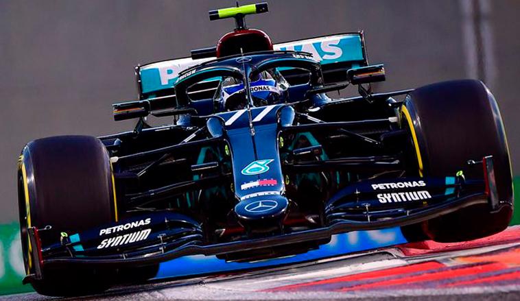 Fórmula 1: Mercedes cierra el viernes bien arriba