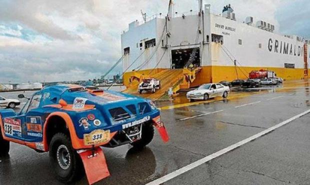 Llegaron a Campana los vehículos que correrán el Dakar 2015