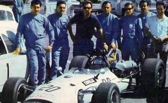 31 de marzo de 1968, Eduardo Copello ganaba en Bahia blanca con un Cooper/Tornado