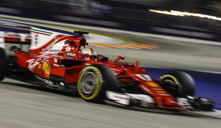 Fórmula 1: Brillante pole de Vettel