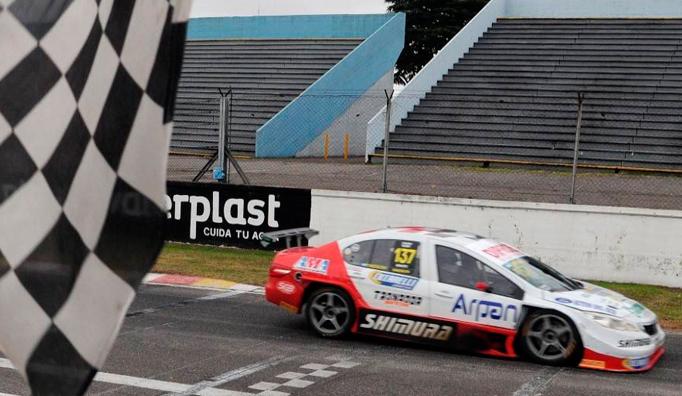 TC2000: Tomás Fineschi gana por primera vez