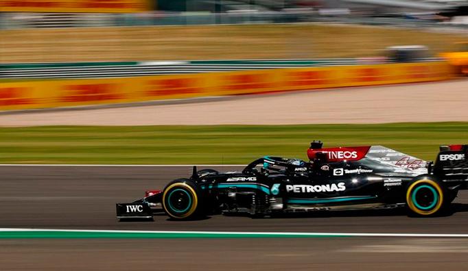 Fórmula 1: Polémica victoria de Hamilton