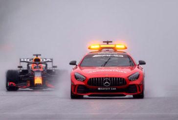 Fórmula 1: Las tres vueltas de la vergüenza que le dieron el triunfo a Verstappen